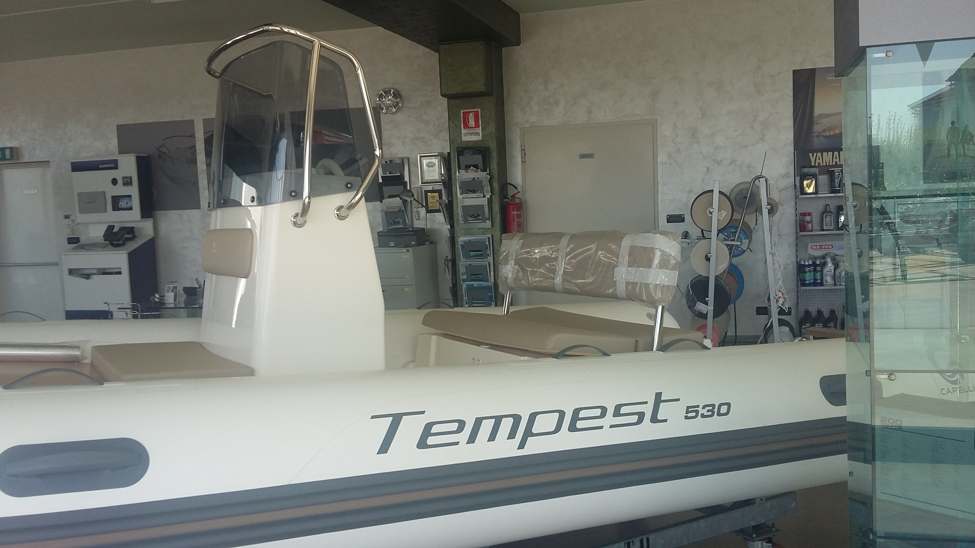 TEMPEST 530 + YAMAHA F40DETL